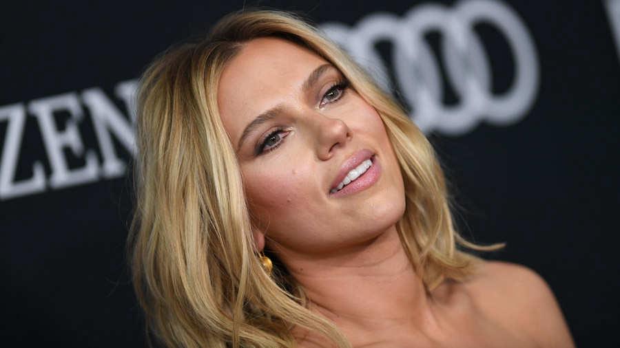 Scarlett Johansson responde a críticas sobre rol transexual