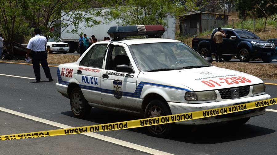 MUERE POLICIA EN ACCIDENTE