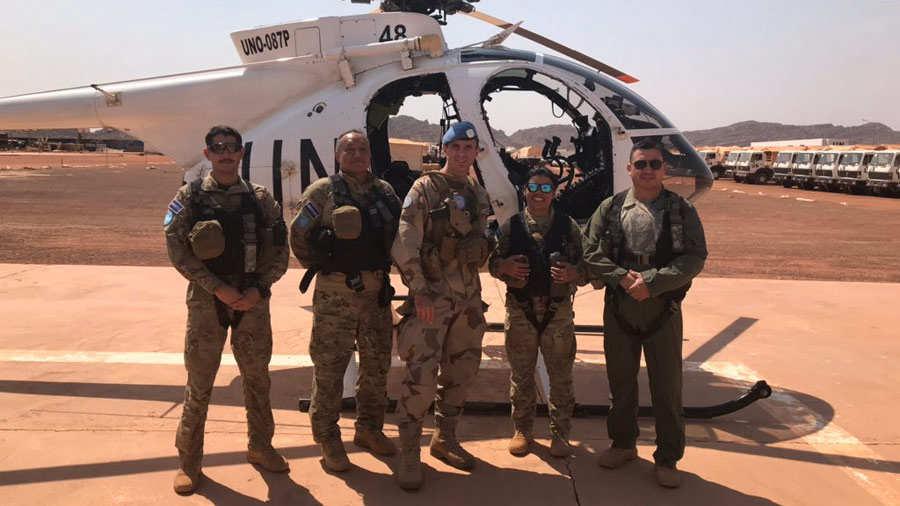El Salvador mantiene en Malí 200 militares, 12 de ellos son pilotos y copilotos de seis helicópteros.