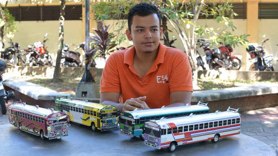 Bus25