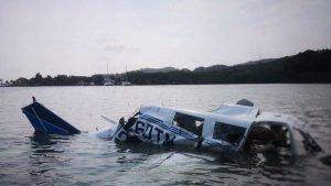 Imágenes del trágico accidente de una avioneta en Roatán que dejó 4 muertos