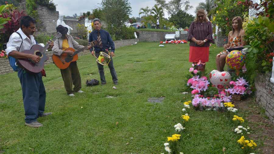 Dia-de-la-madre-cementerio_03