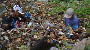 El río Grande de San Miguel se ahoga en más de 200 toneladas de plástico