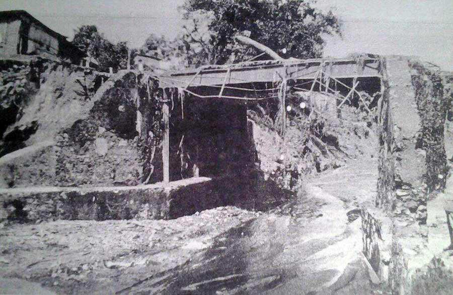 El caudal del río Acelhuate se desbordó debido a las lluvias torrenciales.