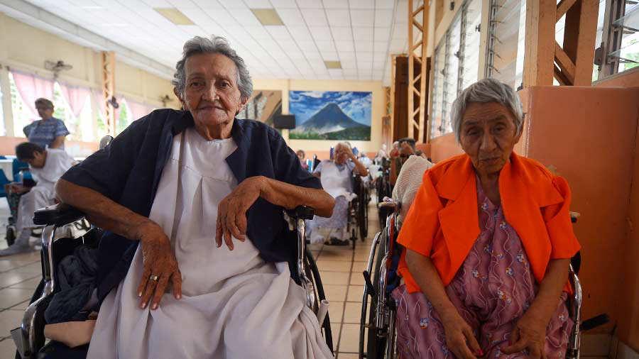 Adultos mayores sufren rechazo y discriminación | Noticias de El Salvador -  elsalvador.com