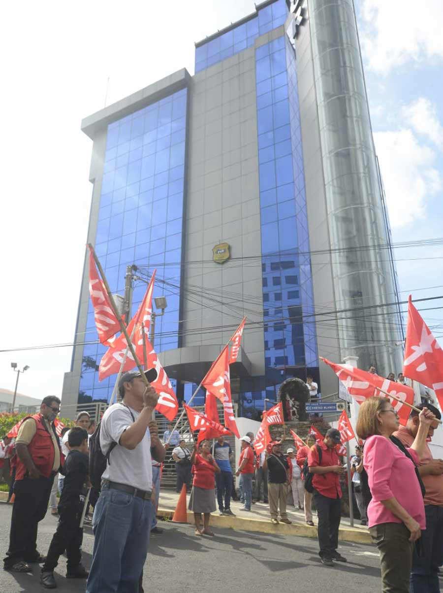 Demanda-FMLN-Fiscalia_13