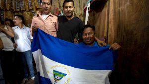 Gobierno de Nicaragua libera a grupo de 50