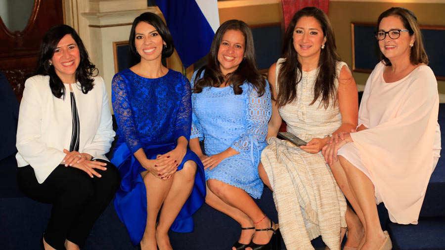 equipo-de-mujeres-de-gobierno