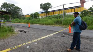 Empleado de construcción fue encontrado muerto frente al penal de Mariona