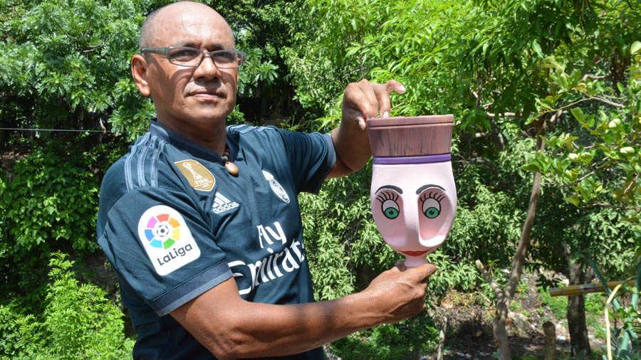 Pintor-de-botellas-Ahuachapán-08
