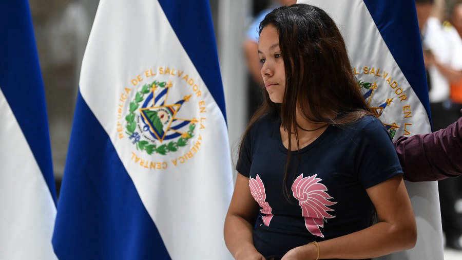 Tania-Ávalos-regresa-a-El-Salvador-AFP