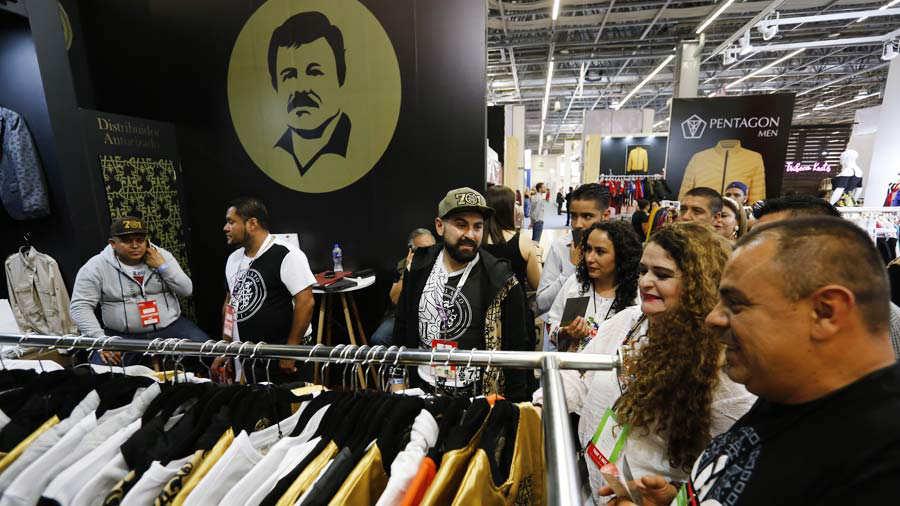 Lanzan linea de ropa y accesorios de la marca Chapo en la feria de moda en MÈxico