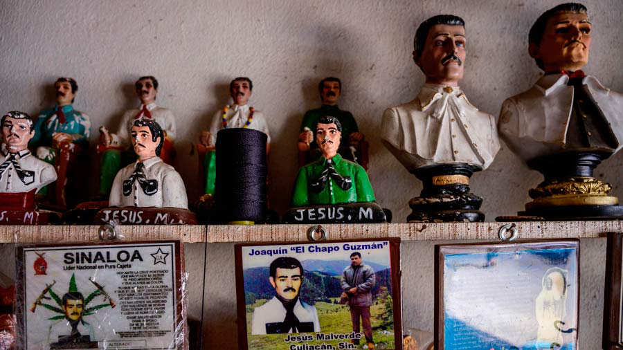 A key holder bearing a picture of Mexican drug lord Joaquin