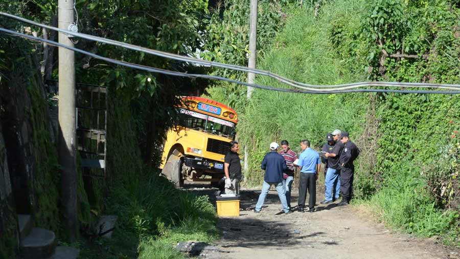 Bus-ametrallado_06