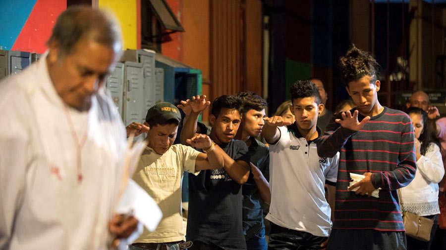 Piden a MÈxico cambiar visiÛn migratoria al recordar masacre de San Fernando