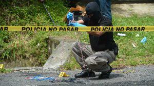 Dos cadáveres atados de pies y manos fueron encontrados en una distancia de 20 km entre Soyapango y San Pedro Perulapán