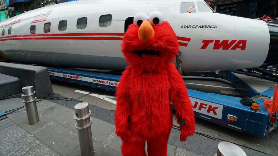 Arrestan a 'Elmo' en Time Square por manosear a joven