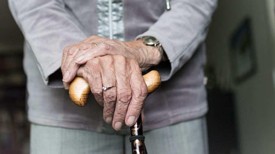 Anciana temía morir y que su nieto se quede solo: lo asesinó