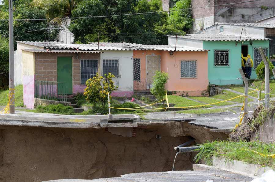 Residencial Santa LucÌa Ilopango