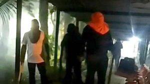 Encapuchados desalojaron a estudiantes que se habían tomado instalaciones de la UES