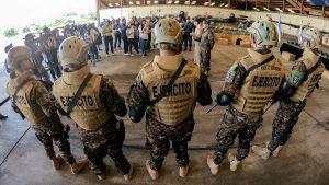 245 chalecos antibalas y nuevo equipamiento para soldados que apoyan el Plan Control Territorial