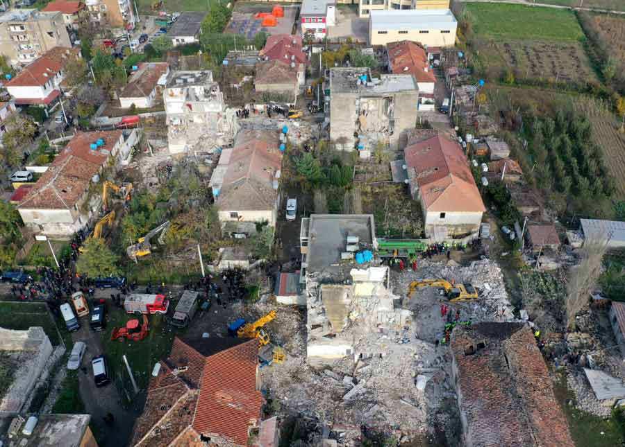Suben a 39 los muertos en el terremoto de Albania