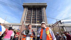 Más de 400 empleados públicos fueron evacuados tras temblor en San Salvador