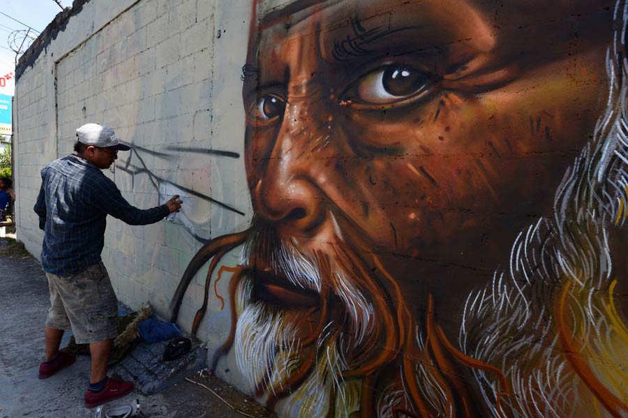 GRAFITEROS-LOS-REYES-DE-MURO001