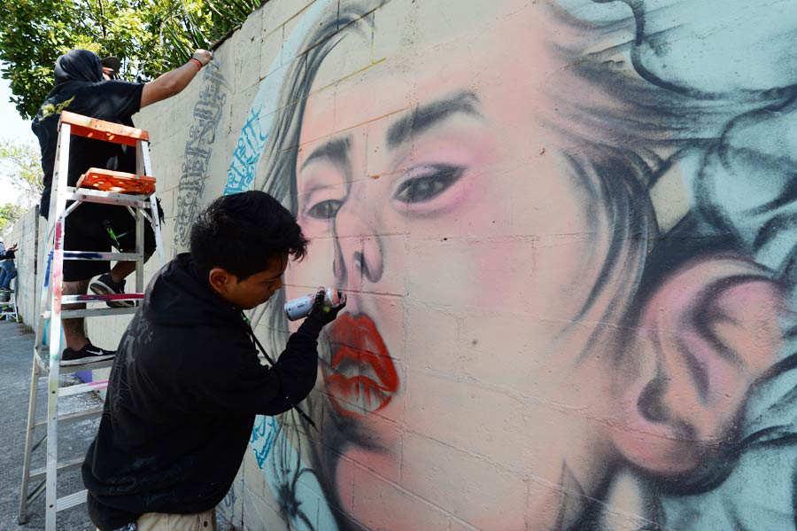 GRAFITEROS-LOS-REYES-DE-MURO003