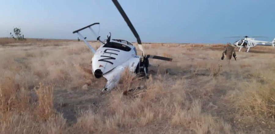 Aspecto de cómo quedó el helicóptero salvadoreño MD-500, accidentado el pasado viernes en Malí. Foto EDH / cortesía Ministerio de la Defensa Nacional