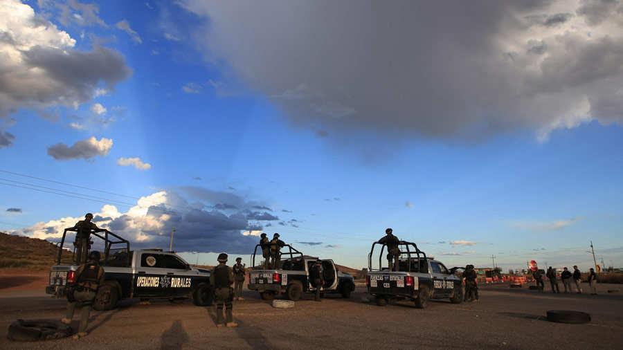 Fuerzas Armadas contin˙an buscan a los criminales tras matanza en el norte de MÈxico