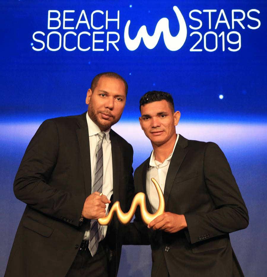 Gol de Ruben Batres el mejor del 2019 por Beach Soccer. RubenBatres_16