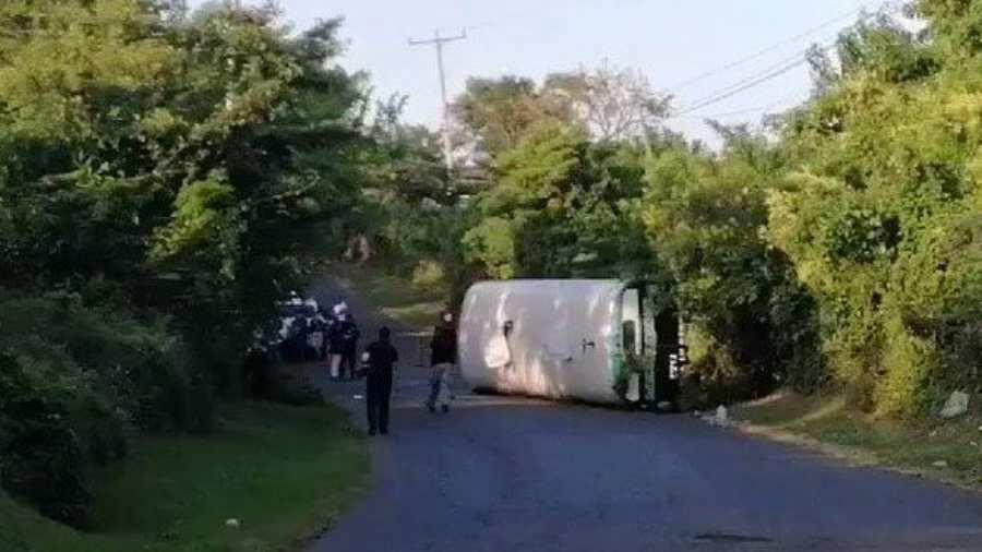 Accidente en San Vicente deja un muerto y al menos nueve lesionados - elsalvador.com