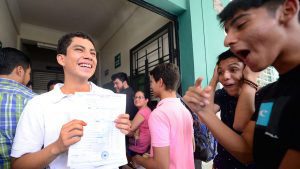 Conoce a Carlos, el único 10 perfecto en la PAES 2019 en todo El Salvador