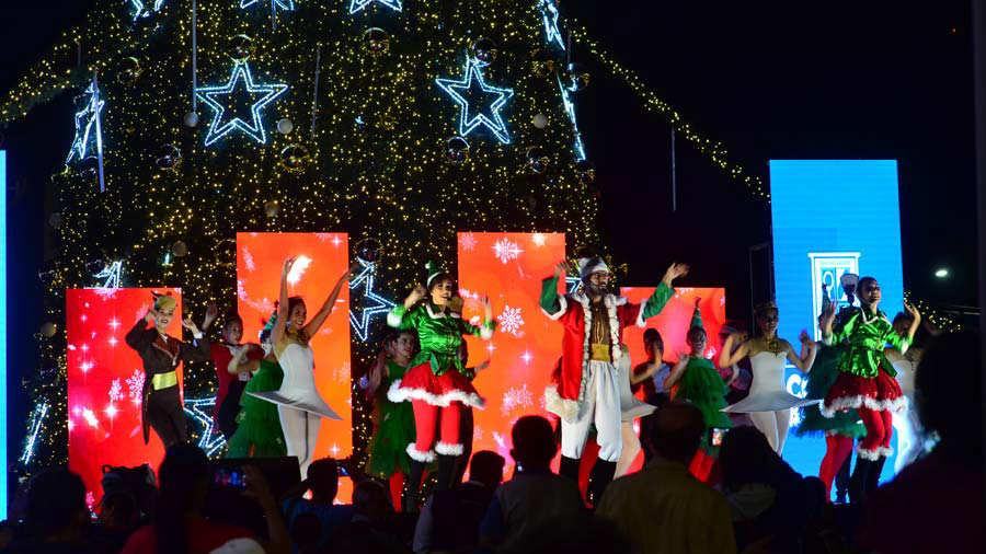 YH Luces navideñas en el centro de San Salvador
