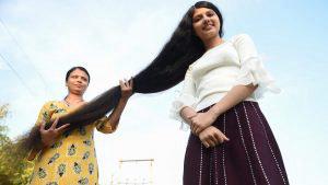 Nilanshi Patel, la joven con la cabellera más larga en el mundo