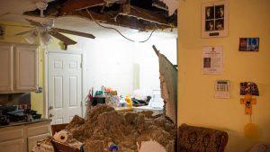 Heridos y decenas de casa dañadas por explosión de planta industrial en Houston