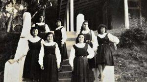 Las fotos de antaño que revelan la vida en el internado del Colegio Santa Inés en los años 50