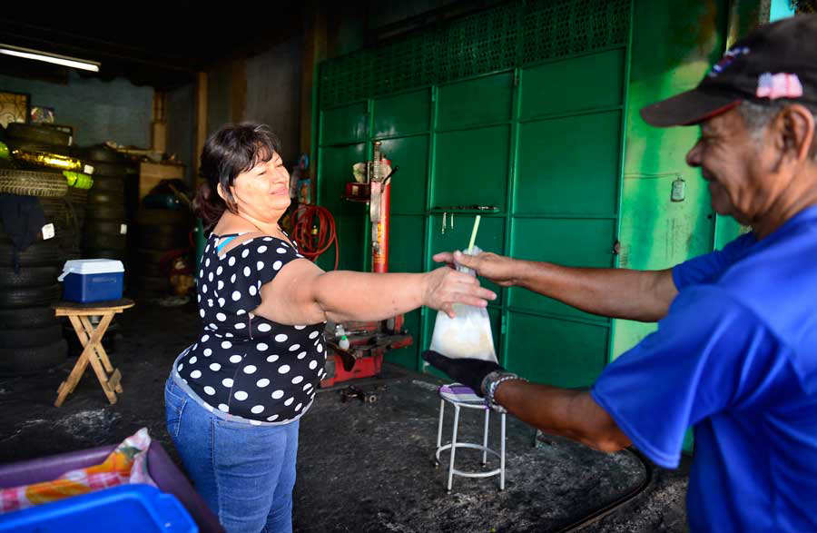 aJO-Don-Mario-Coco-Vendedor-de-cocos031