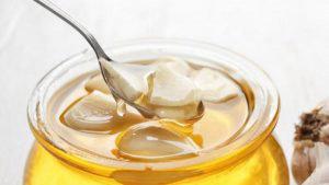 para que es buena la miel de abeja con ajo