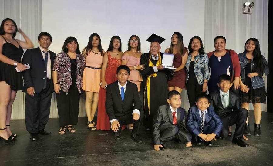 Graduacion anciano_02