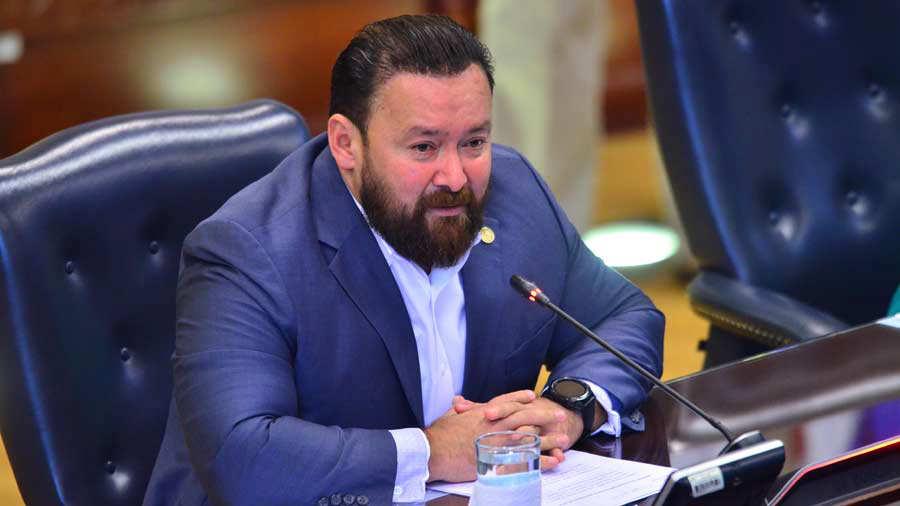 GANA nombra a Guillermo Gallegos jefe de fracción en medio de quejas    Noticias de El Salvador