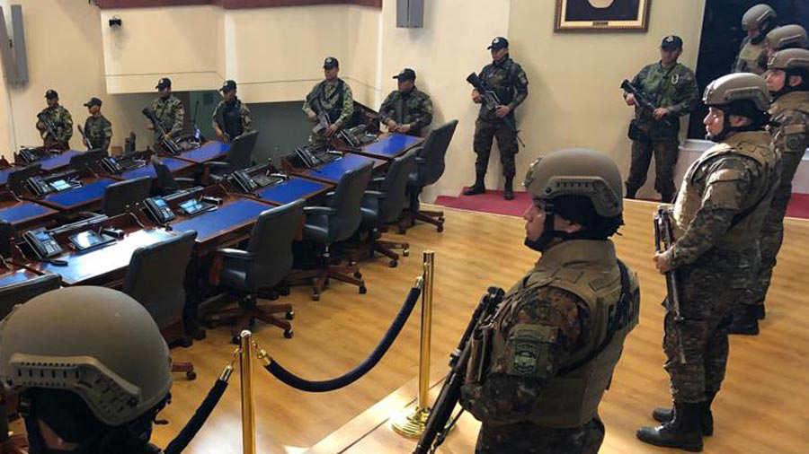 Miliatres-en-la-Asamblea-0223