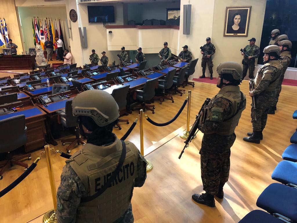 Miliatres-en-la-Asamblea-0224