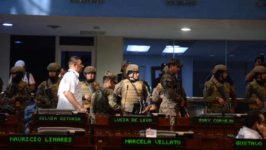 Miliatres-en-la-Asamblea-0228