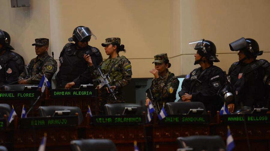Miliatres-en-la-Asamblea-0229