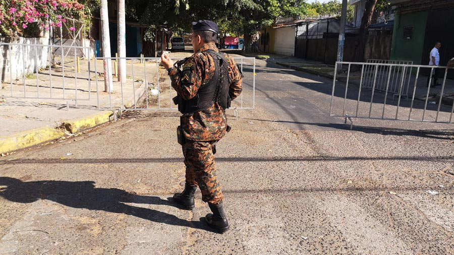 Militares-asamblea140