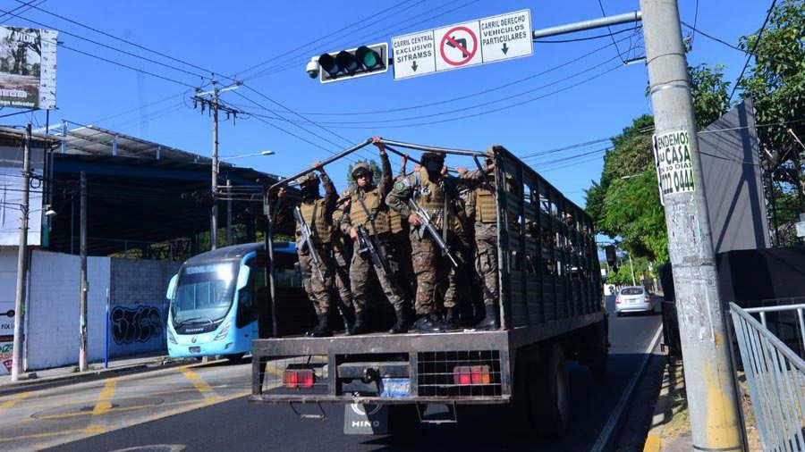 Militares-asamblea146