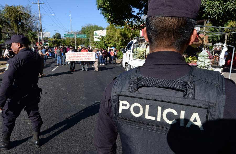 Protesta-UES-06-FC-