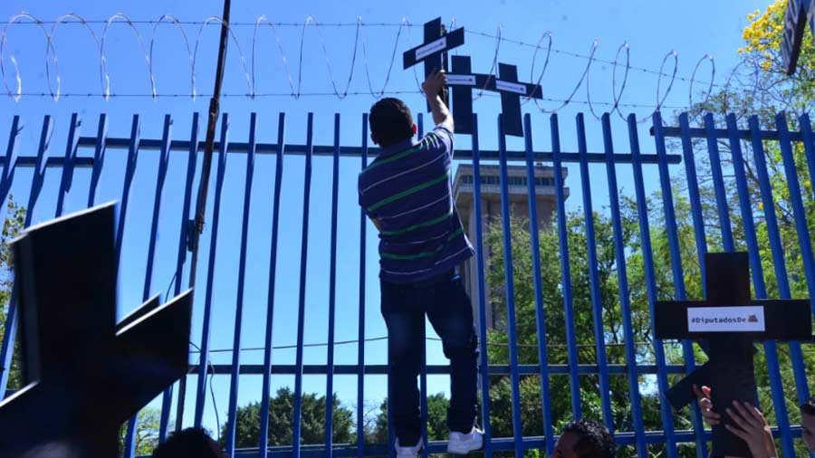 protesta-Araujo4
